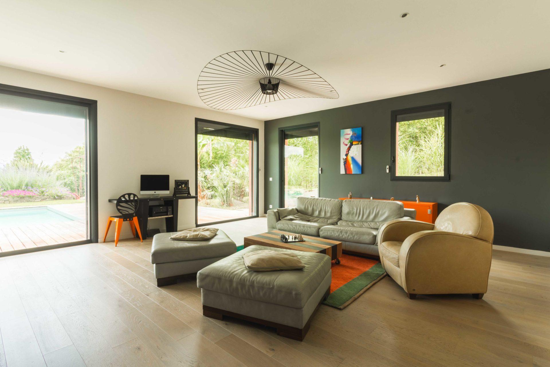 photographe-immobilier-photographe lourdes-tarbes-pau-airbnb-trivago-square habitat-crédit agricole-louer-acheter-vendre-appartement-maison
