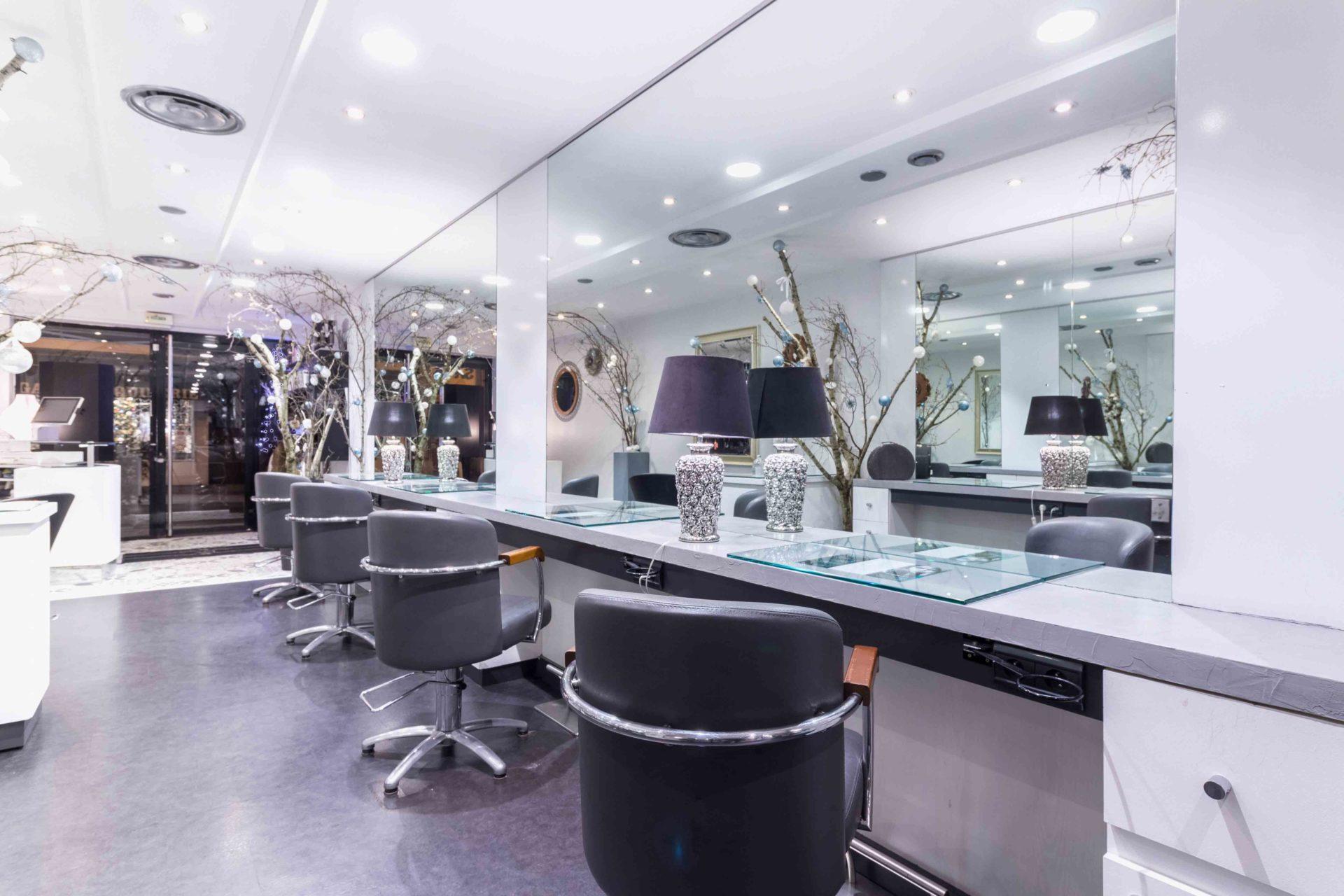 photographie-d-interieur-salon-coiffure-Lourdes-décoration-Noël